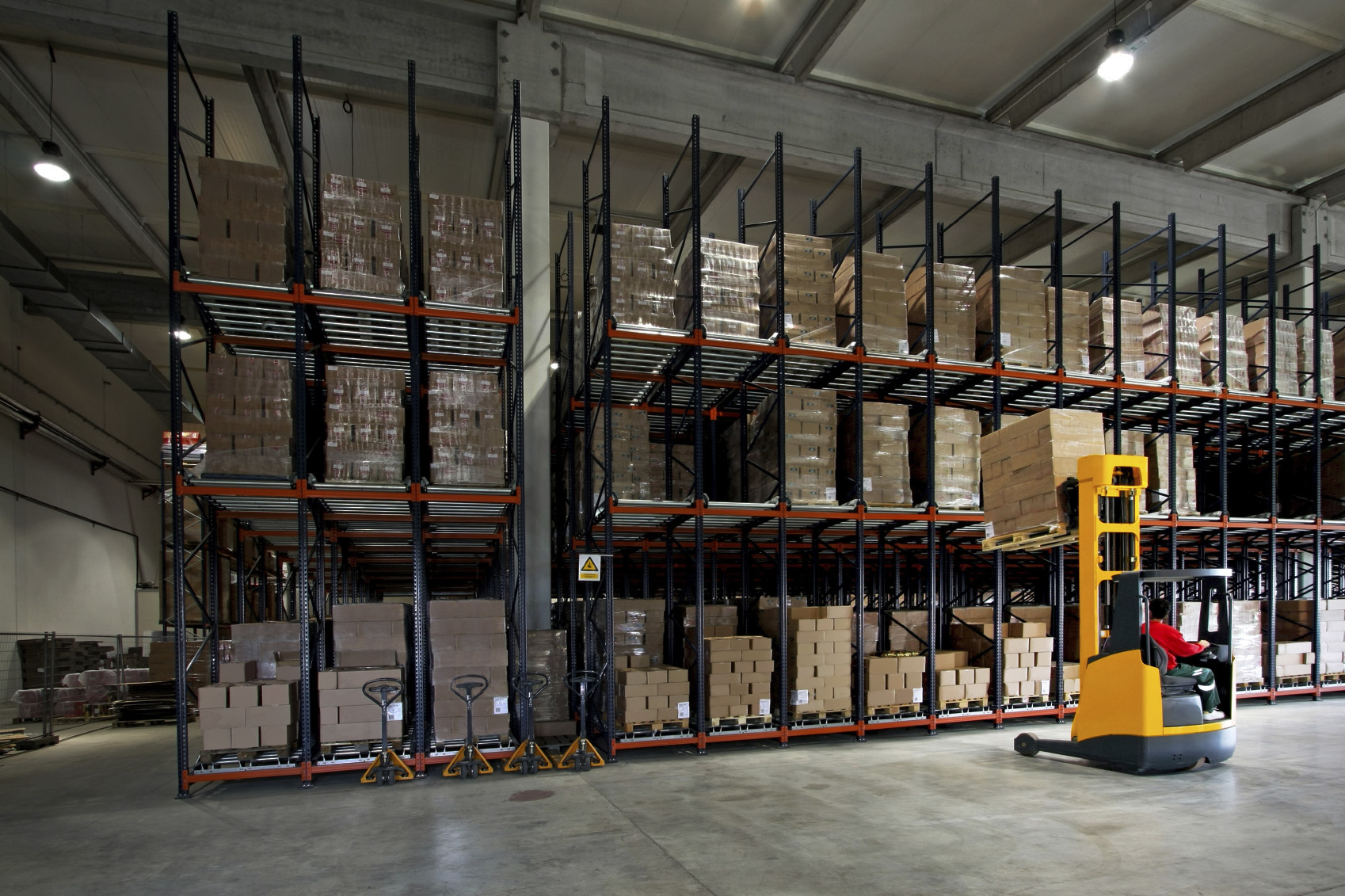 Warehouse distribution logistics