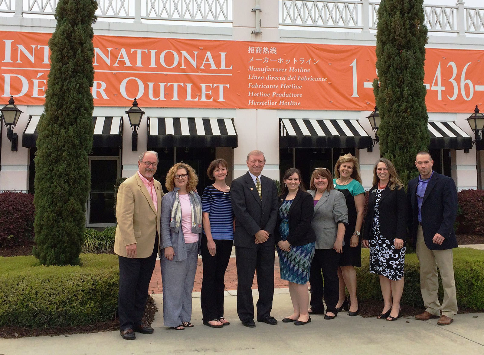 International d cor outlet eyes the darien outlet mall for International decor outlet darien ga